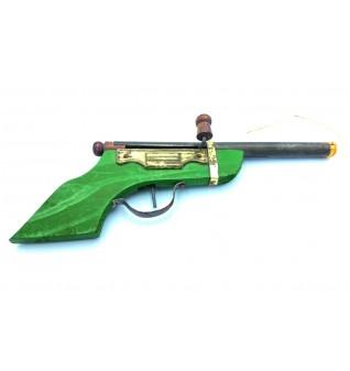 مسدس خشبي لعبة اطفال أمريكي من بداية الخمسينات الميلادية