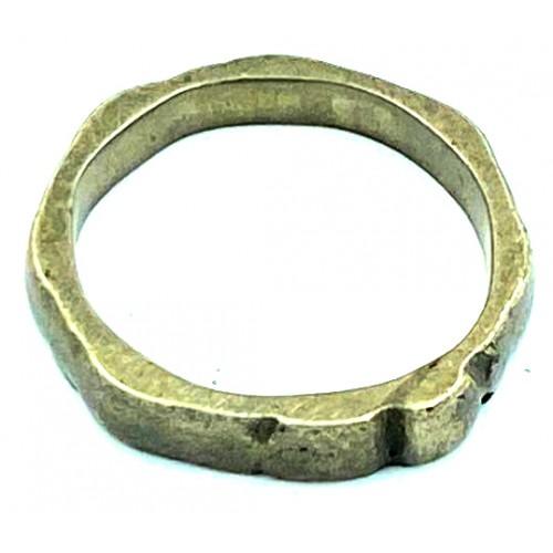 خاتم معدن قديم