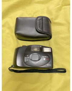 كاميرا قديمة (Yashica EZ View)